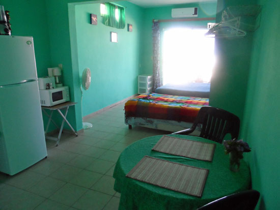 Studio Norte is bright and sunny with a full kitchen and two beds